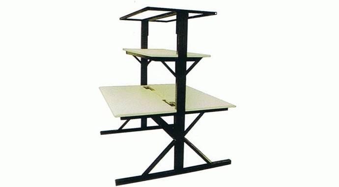 折叠钢质家具
