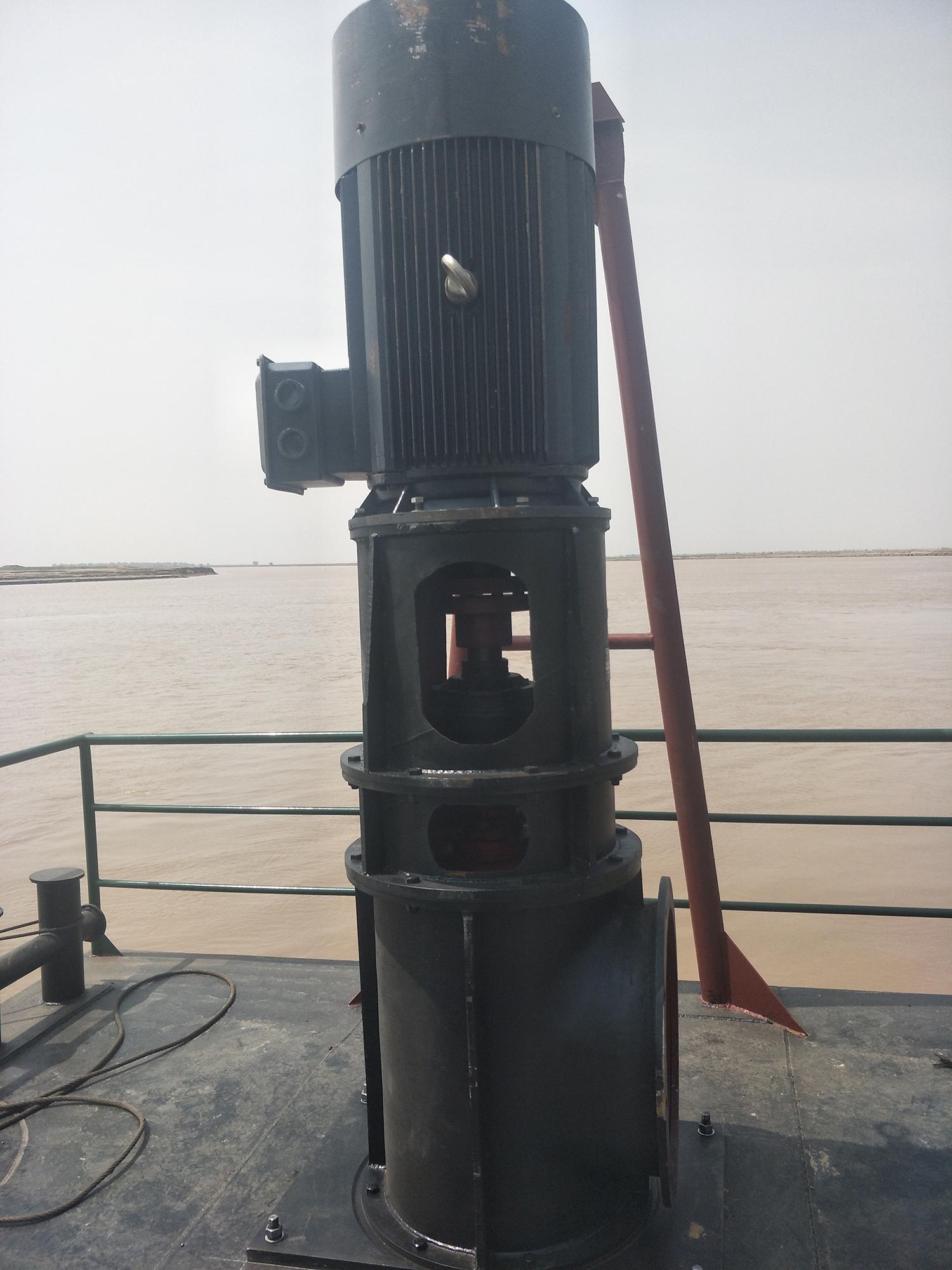秦七水泵船黄河浮桥运输