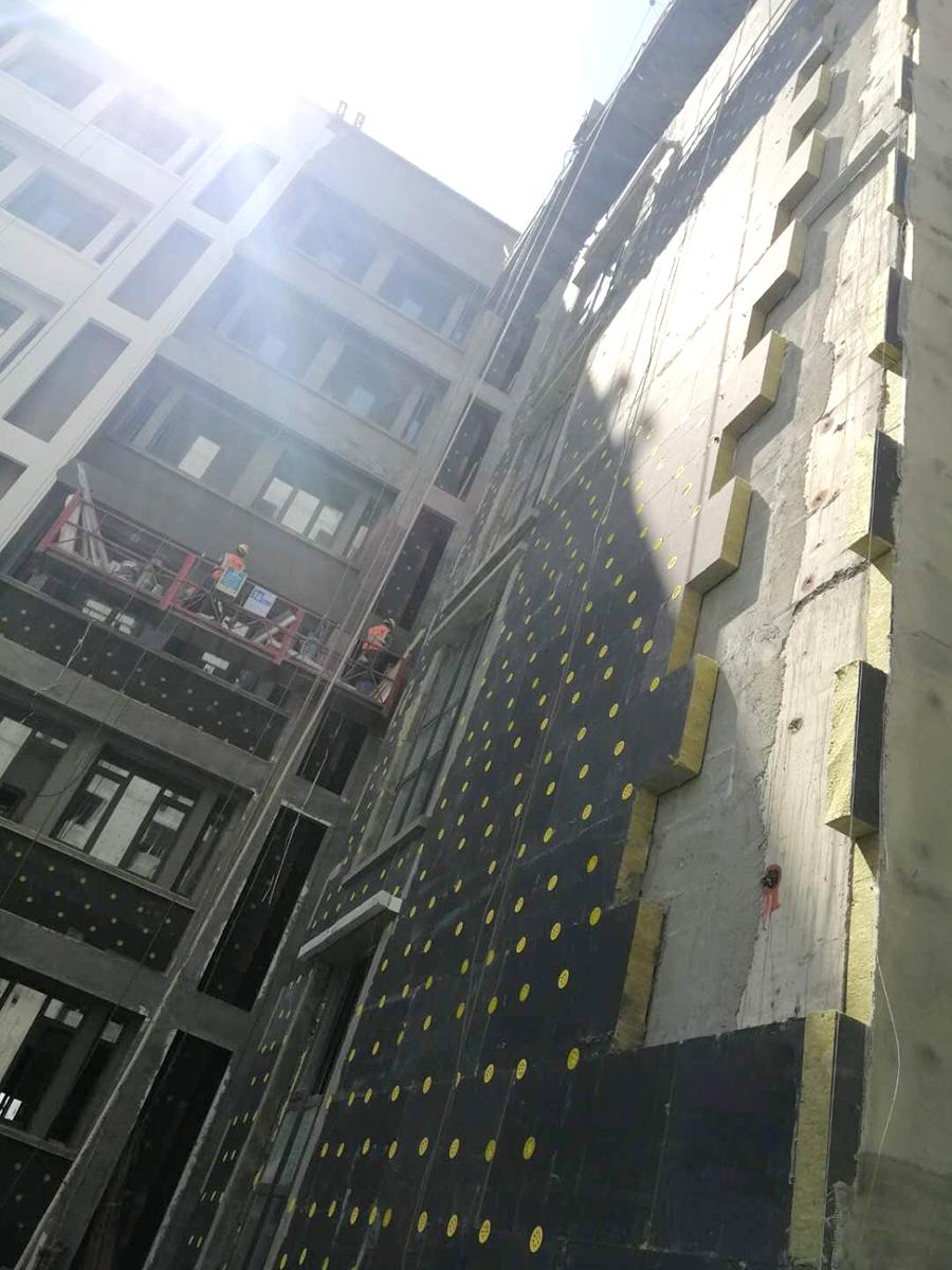 乘风破浪正当时 | 对标国际 万华建筑助推省国际医学科学中心首个引爆项目
