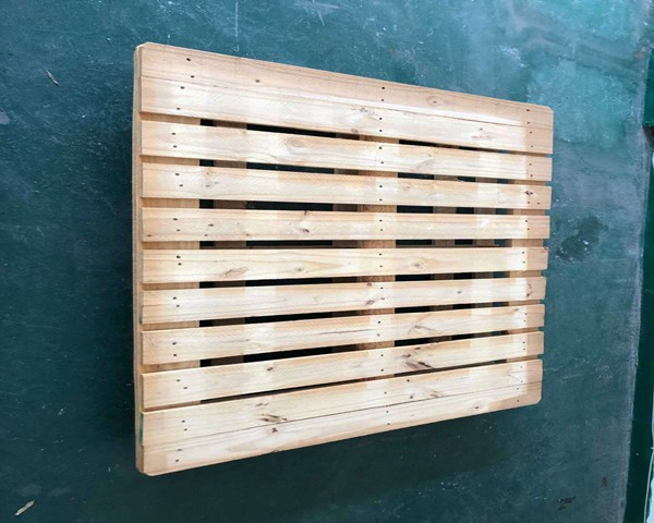 木托盘  尺寸1.1m×1.3m,四面好叉