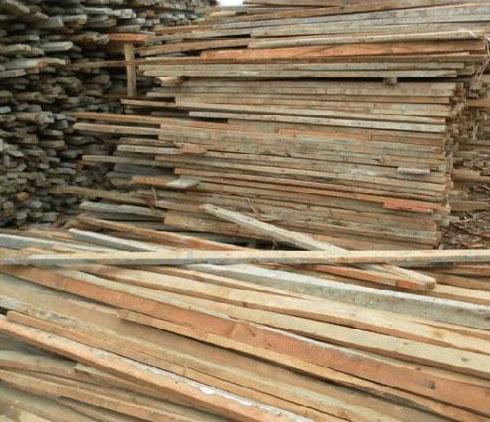 未经防腐处理的木方应注意防水防尘