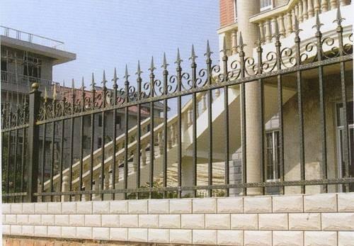 新型铁艺围栏的优势