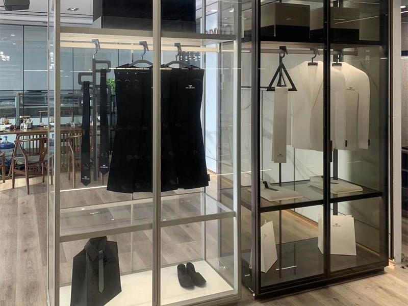 透明玻璃门衣柜优缺点