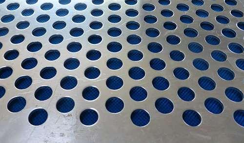 圆孔冲孔网的精确度如何保证