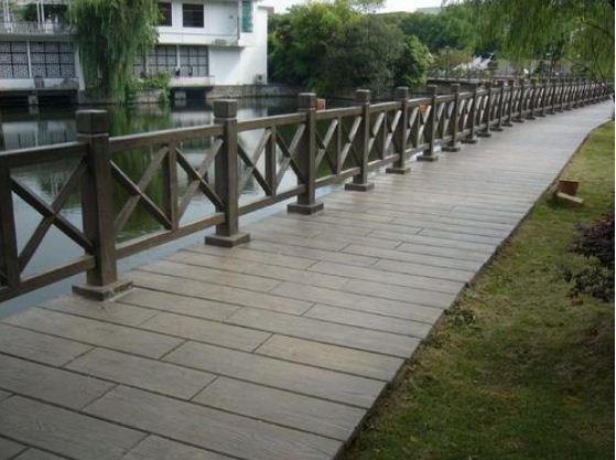新型环保水泥仿木护栏的优点