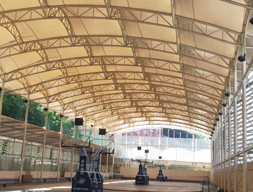 膜結構體育館