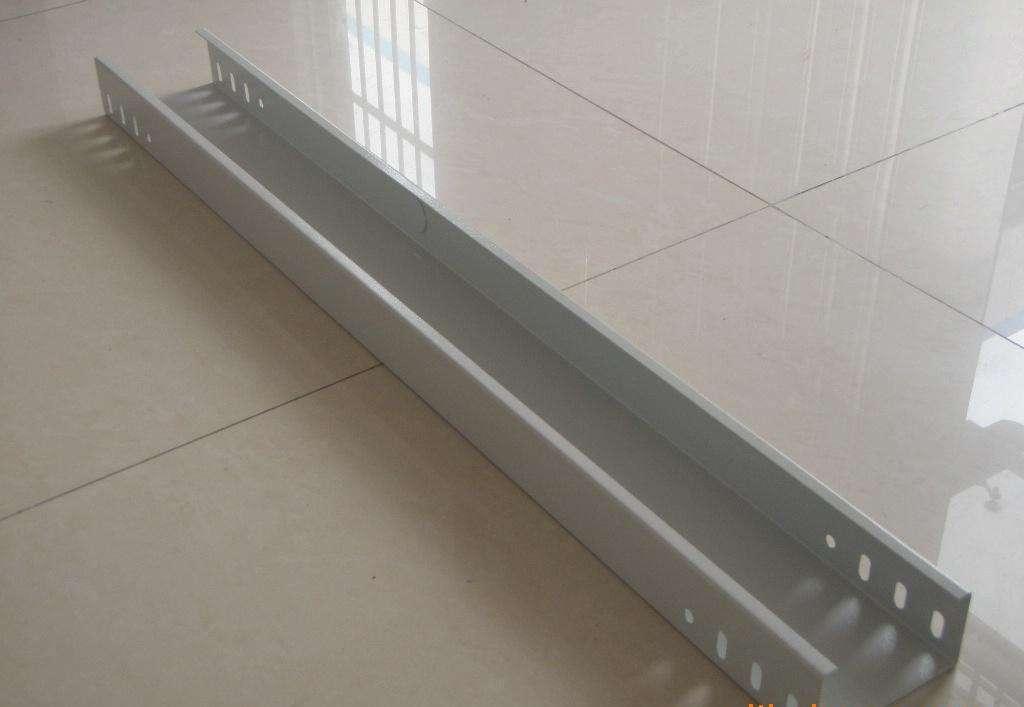 扬中槽式电缆桥架和组合式桥架的区别