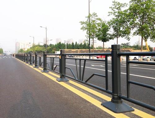 重慶道路防撞欄桿的特點和作用