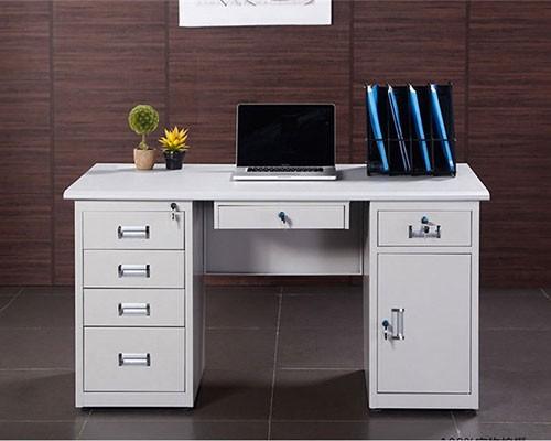 办公桌的实用性要有保障