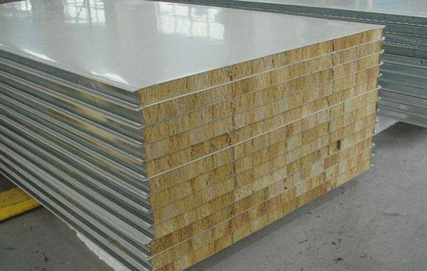 Polyurethane metal sandwich panel