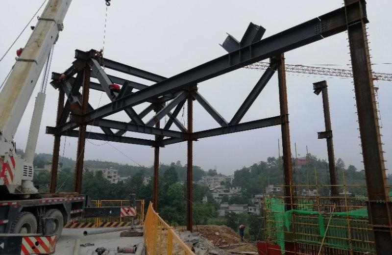 德杰:龙里大健康生态城A区1#楼钢结构