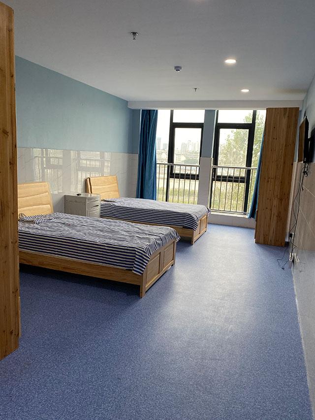 敬老院半护理寝室