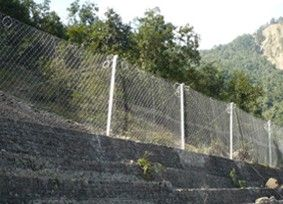 边坡防护网的锚杆支护