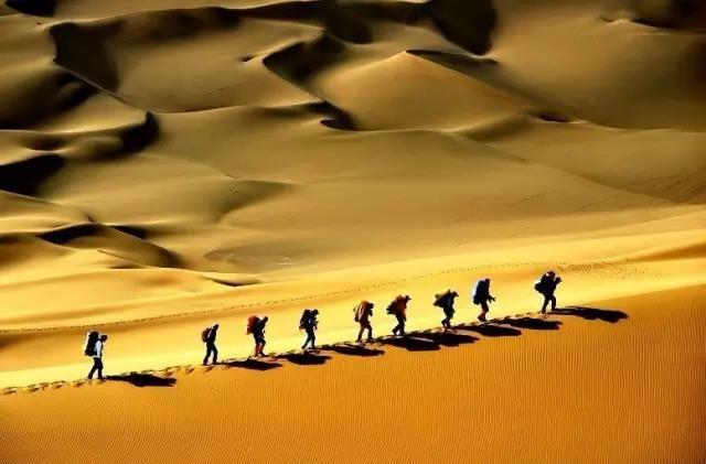 徒步库布其||穿越沙漠,观漫天星空