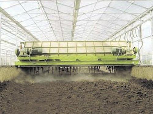 鸡粪有机肥厂家生产的有机肥是不是比化肥成本要高?