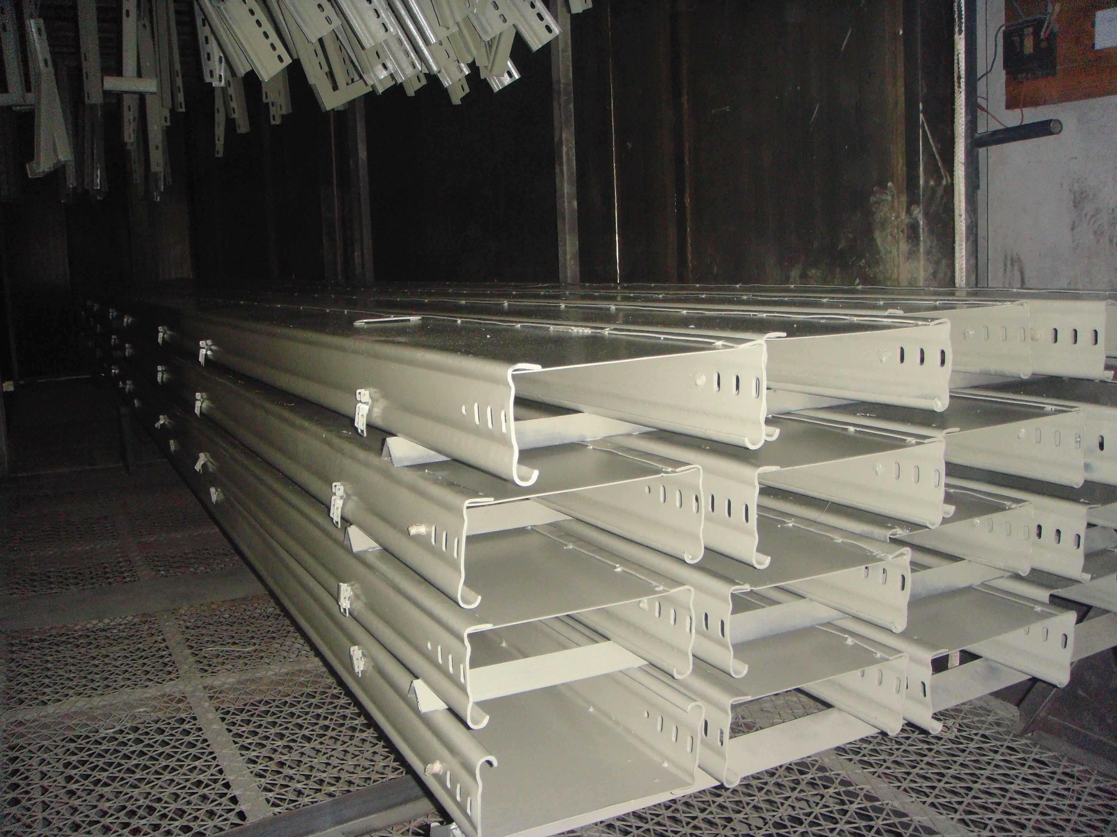 供应商告诉你电缆桥架在载荷步骤时需要注意什么