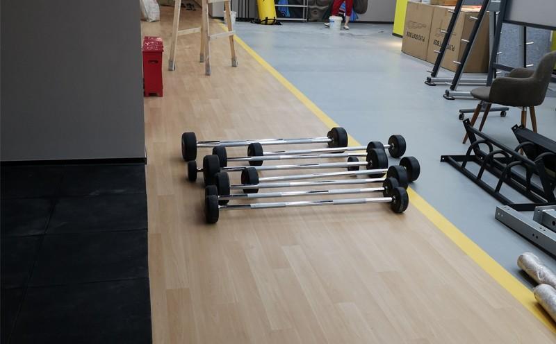 健身房PVC地胶铺设