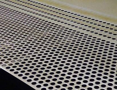 冲孔网在柴油机散热器上的应用