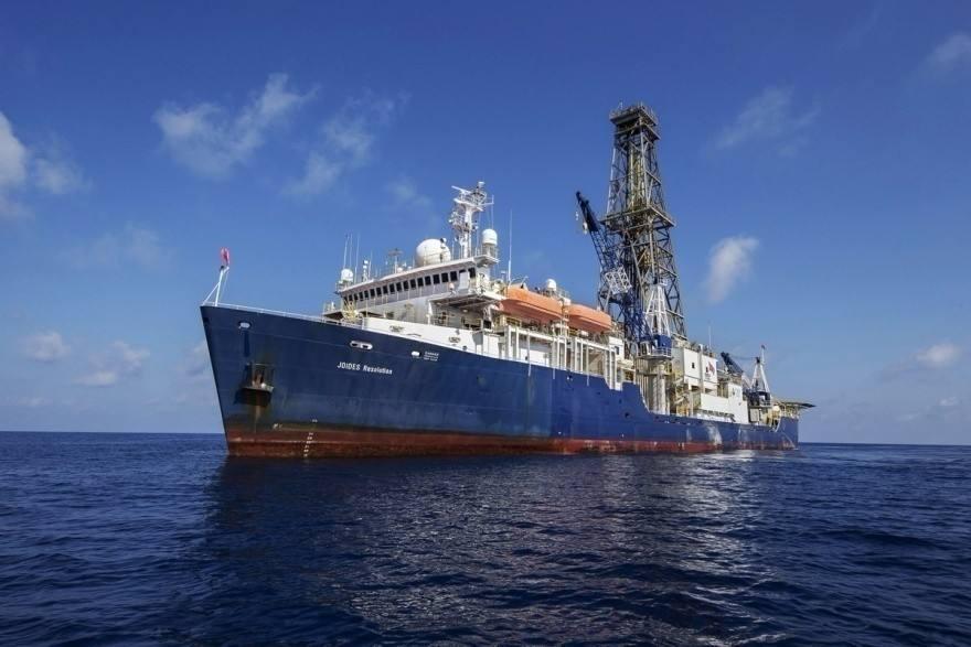 黄河普查及钻探用船