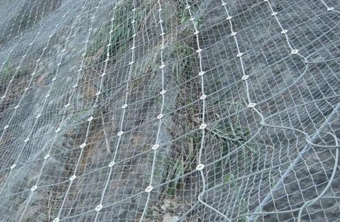 边坡为什么要安装柔性防护网