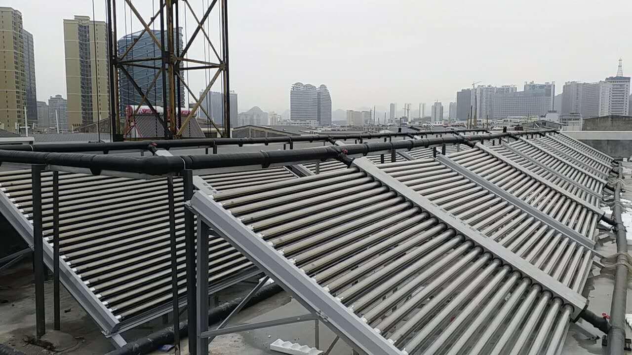 贵州省兴义市胃肠病医院太阳能+空气能热水系统
