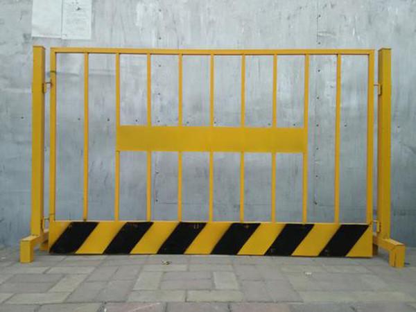基坑竖管临边护栏