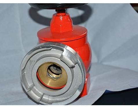 室内外消防栓是怎么操作的
