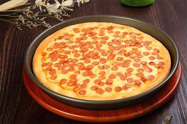 芝士香肠比萨