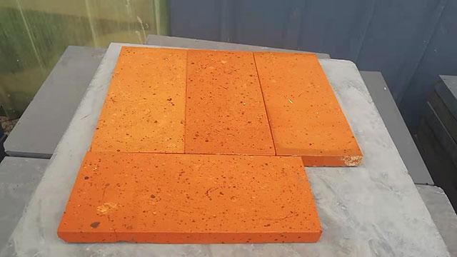六面光红色砖片230-150-11,220-105-11