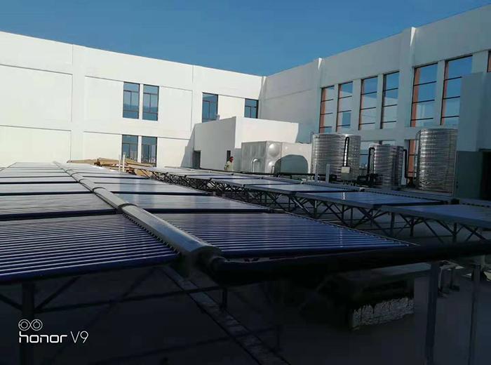泰州森海创意高端酒店空气能+太阳能工程