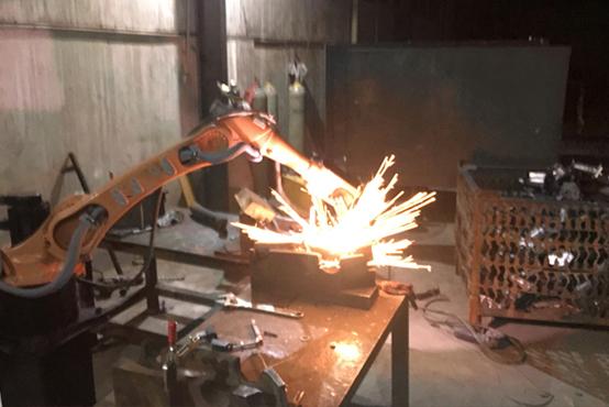弧焊焊接机器人用配套焊接设备有哪些
