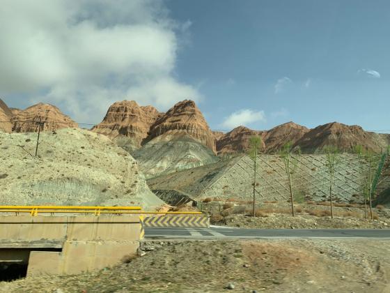 河南省中美能源股份有限公司到青海省海南藏族自治州进行考察、交流