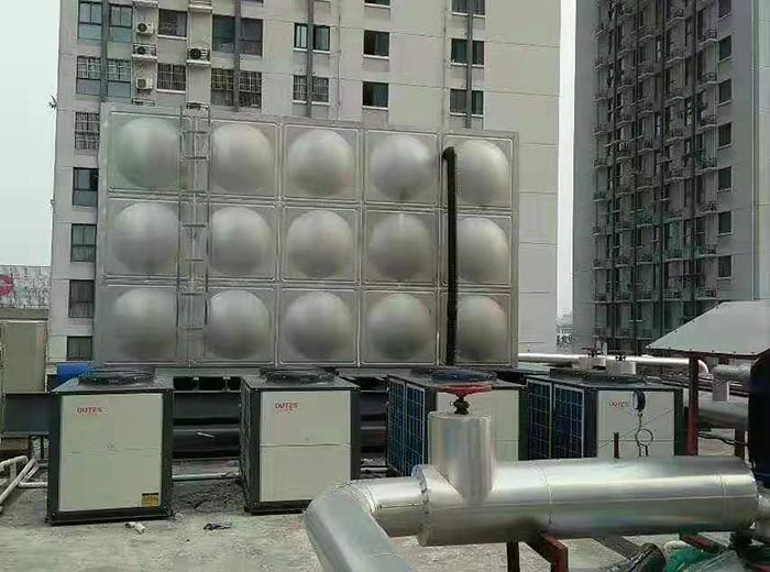 皇仕堡南通三店空气能热水器系统