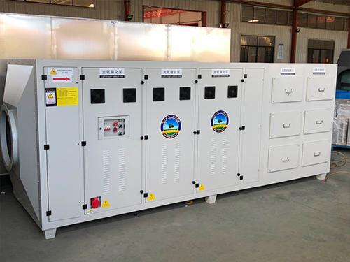 水处理使用活性炭净化柜都有哪些优势呢?