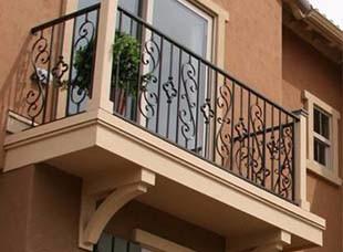 鐵藝欄桿是一種具有藝術感的護欄產品