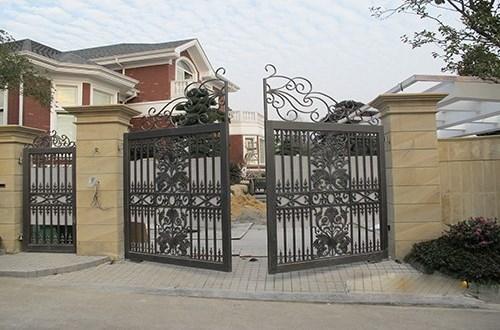 庭院铸花铜门