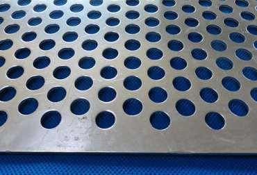 不锈钢冲孔网的加工注意要点