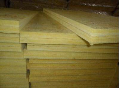 复合岩棉板可以保持室内空气凉爽