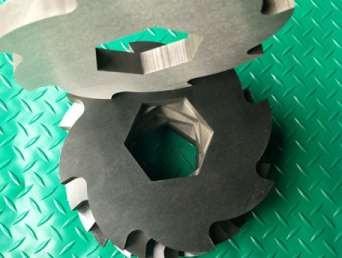 撕碎機刀片軸承潤滑油需要注意什么