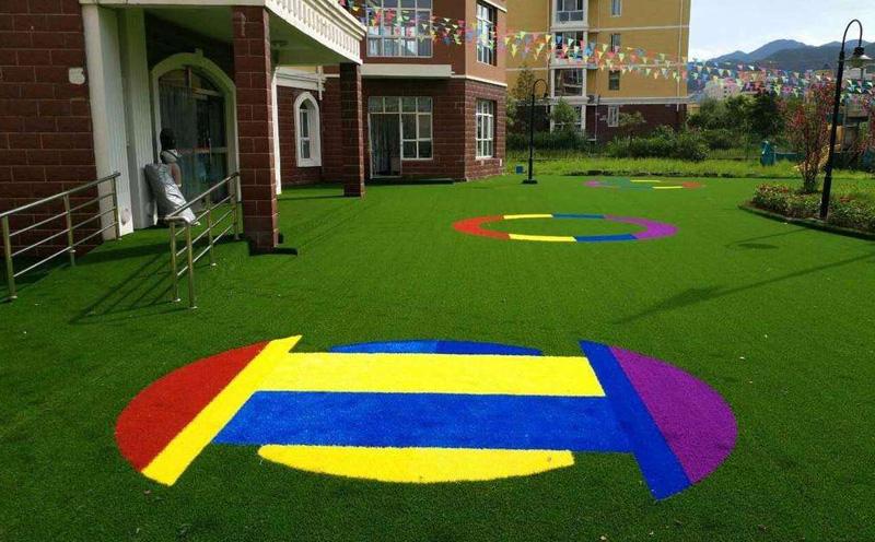 幼儿园草坪的优势有哪些呢?