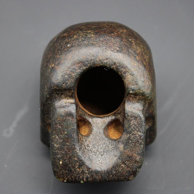 陨石骷髅头造像