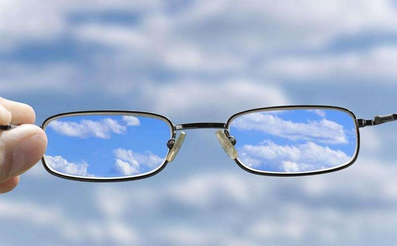 关于青少年视力矫正恢复的一些问题