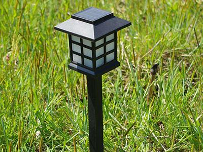庭院灯生产厂家叙述草坪灯的维护保养与清理