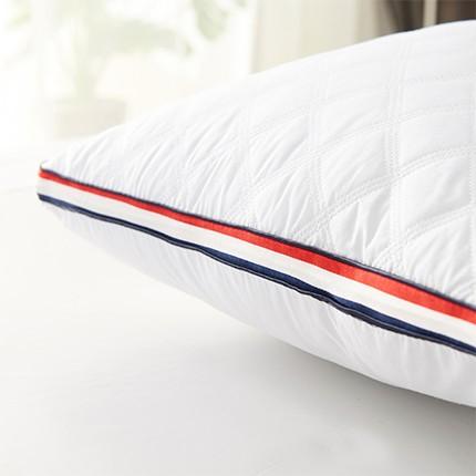 磨毛绗缝羽丝枕