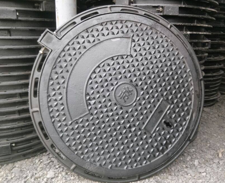 更换铸铁井盖的方法