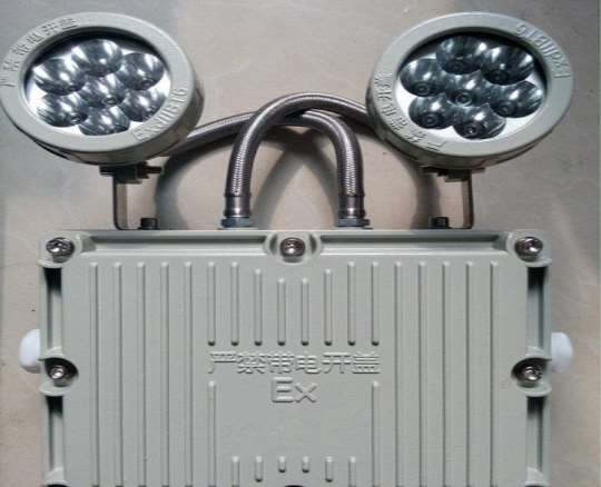 消防照明灯具是由哪些设备构成的