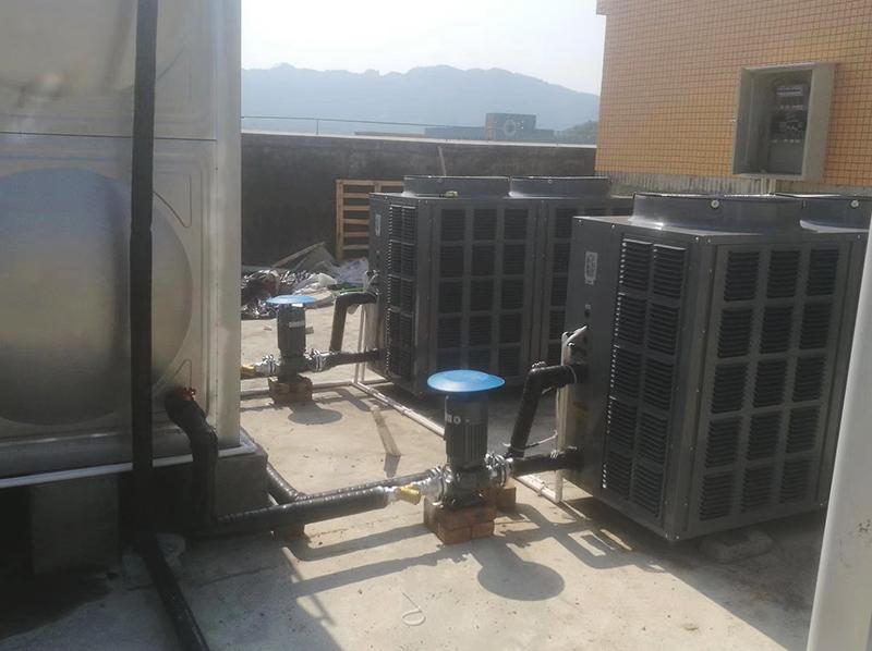 巡司中心校热水设备安装