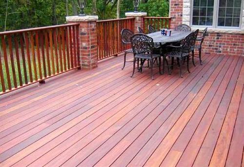 防腐木,让你的阳台更加美观自然