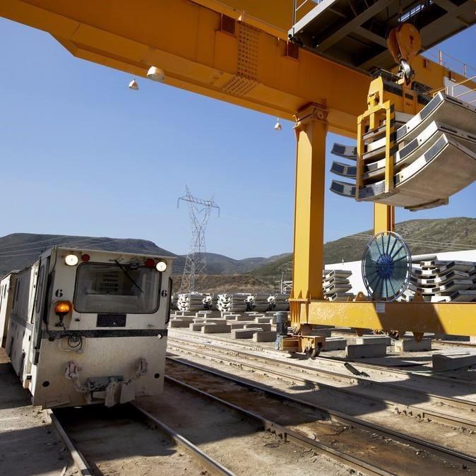 起重机应用铁路行业工程案例