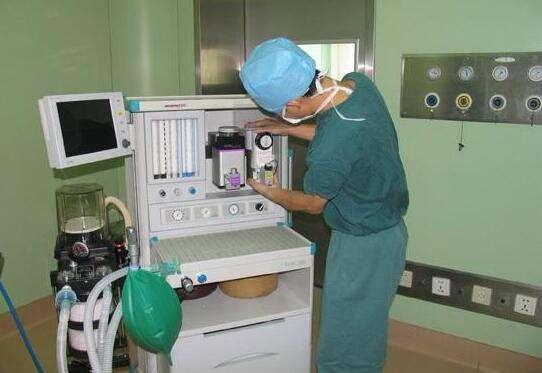 医疗设备安装与维护